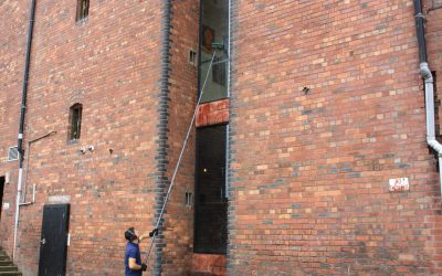 The most effective technique using a water-fed window cleaning pole system